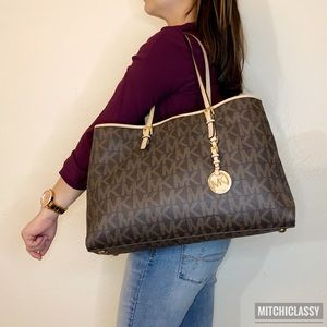 💖OFFERS??💖•Michael Kors• Monogram Tote